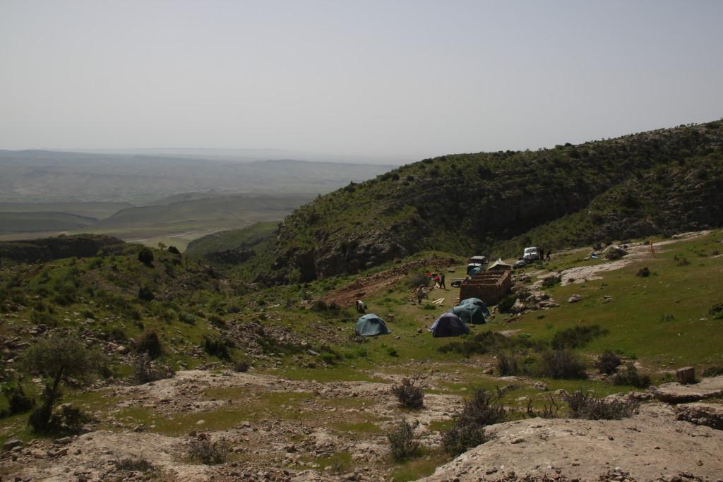 вид на лагерь с  башни