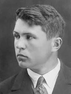 1935 год, П. А. Колесову 18 лет, он студент первого курса МАИ