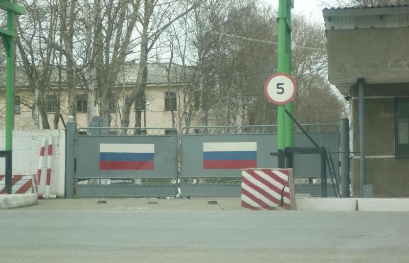 ВЧ-35390.-У-КПП-одного-из-подразделений-бригады