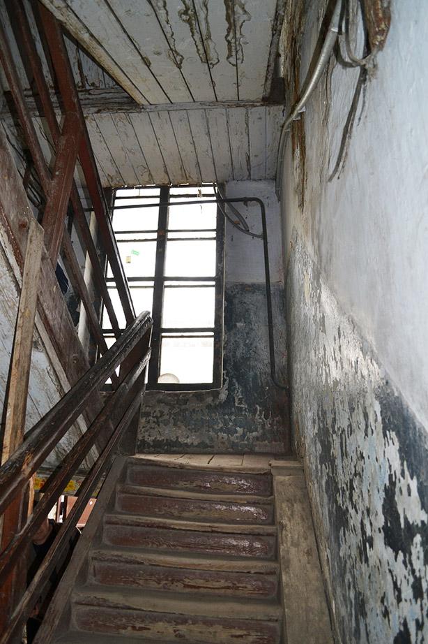 Скрипучие лестницы