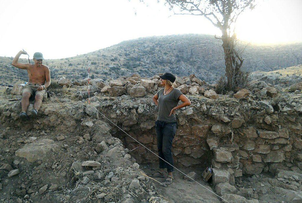 Артем и Нигора на раскопе