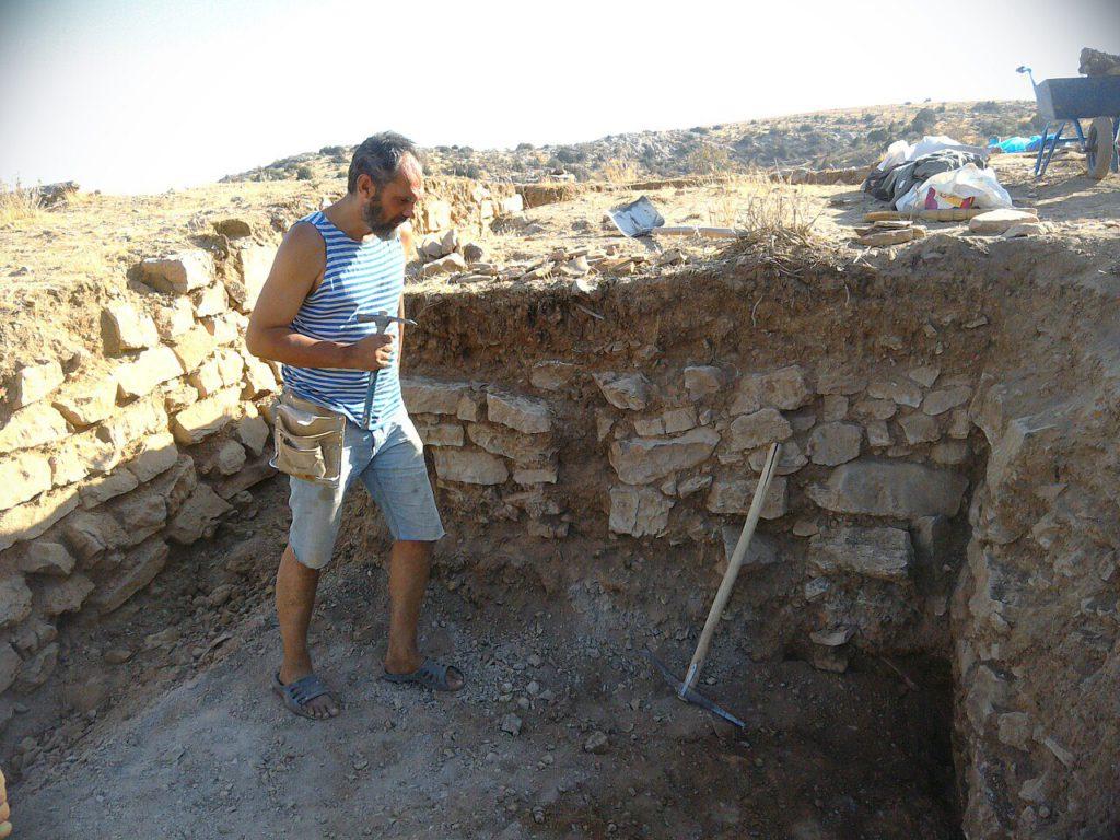 Олег на раскопках цитадели
